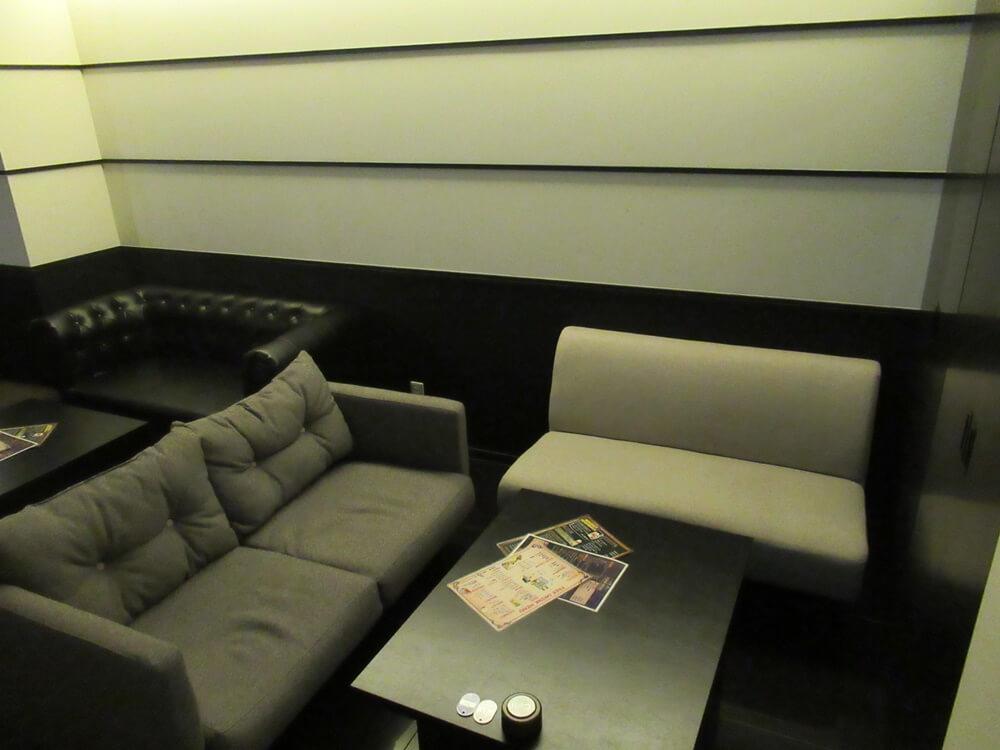 ペアーのソファー席