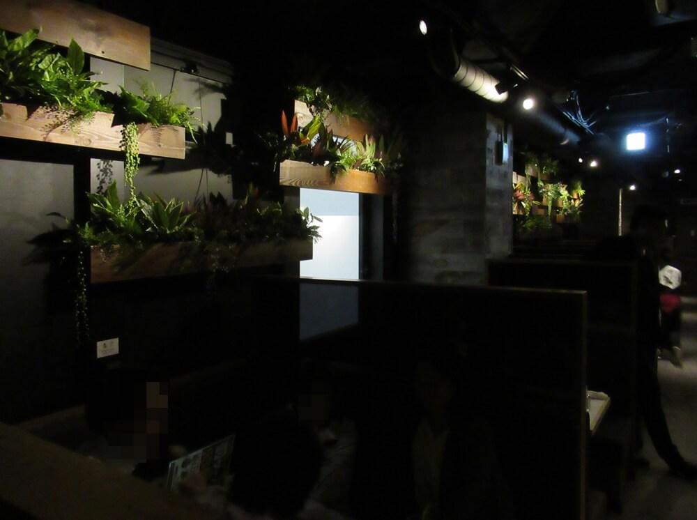 相席屋靖国通り店の実際の暗さ