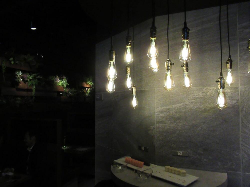 相席屋靖国通り店のランプとデザート
