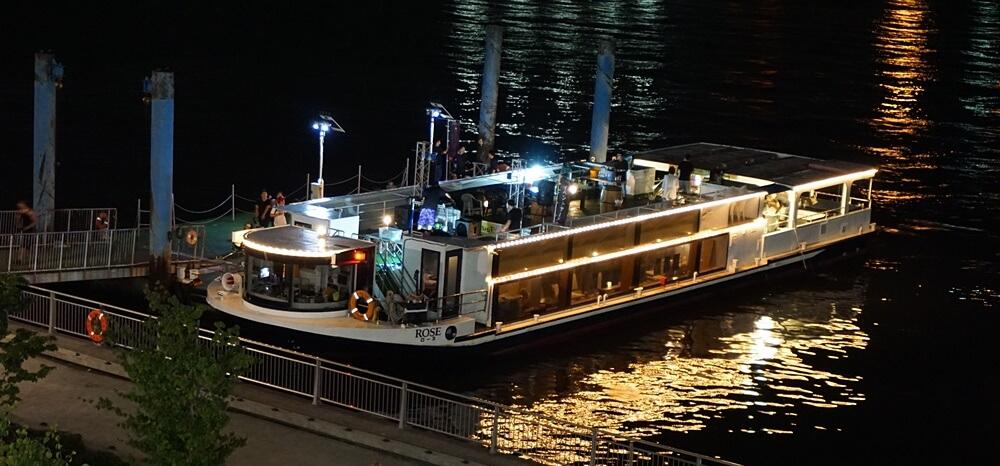東京湾クルージングフェスの船