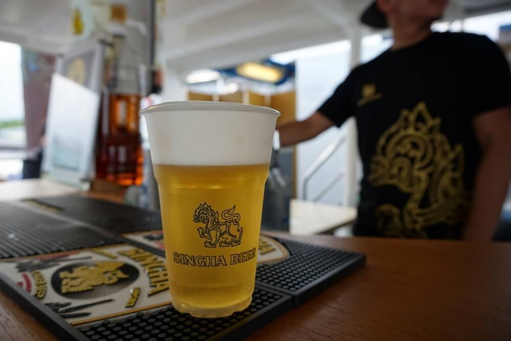 クルーズ船のシンハービール