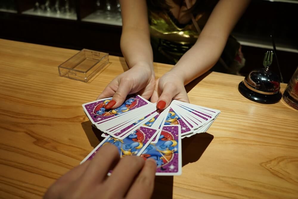 カードを2枚引く
