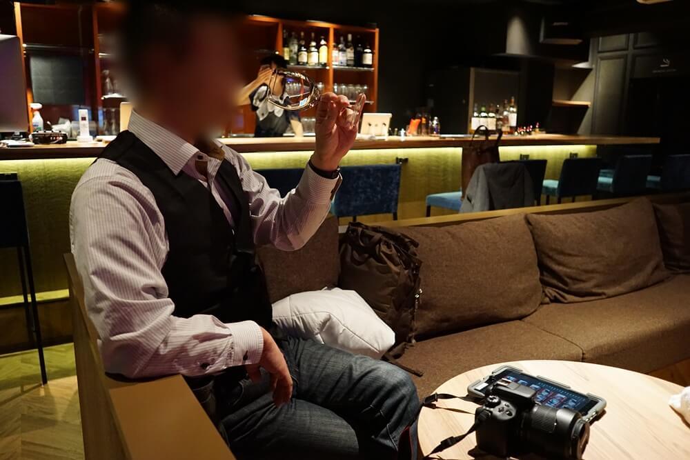 男性のお客さんがいたので声をかけてみると、なんと岡山県から来たとのこと!岡山からiQにくること三回目という強者だ。